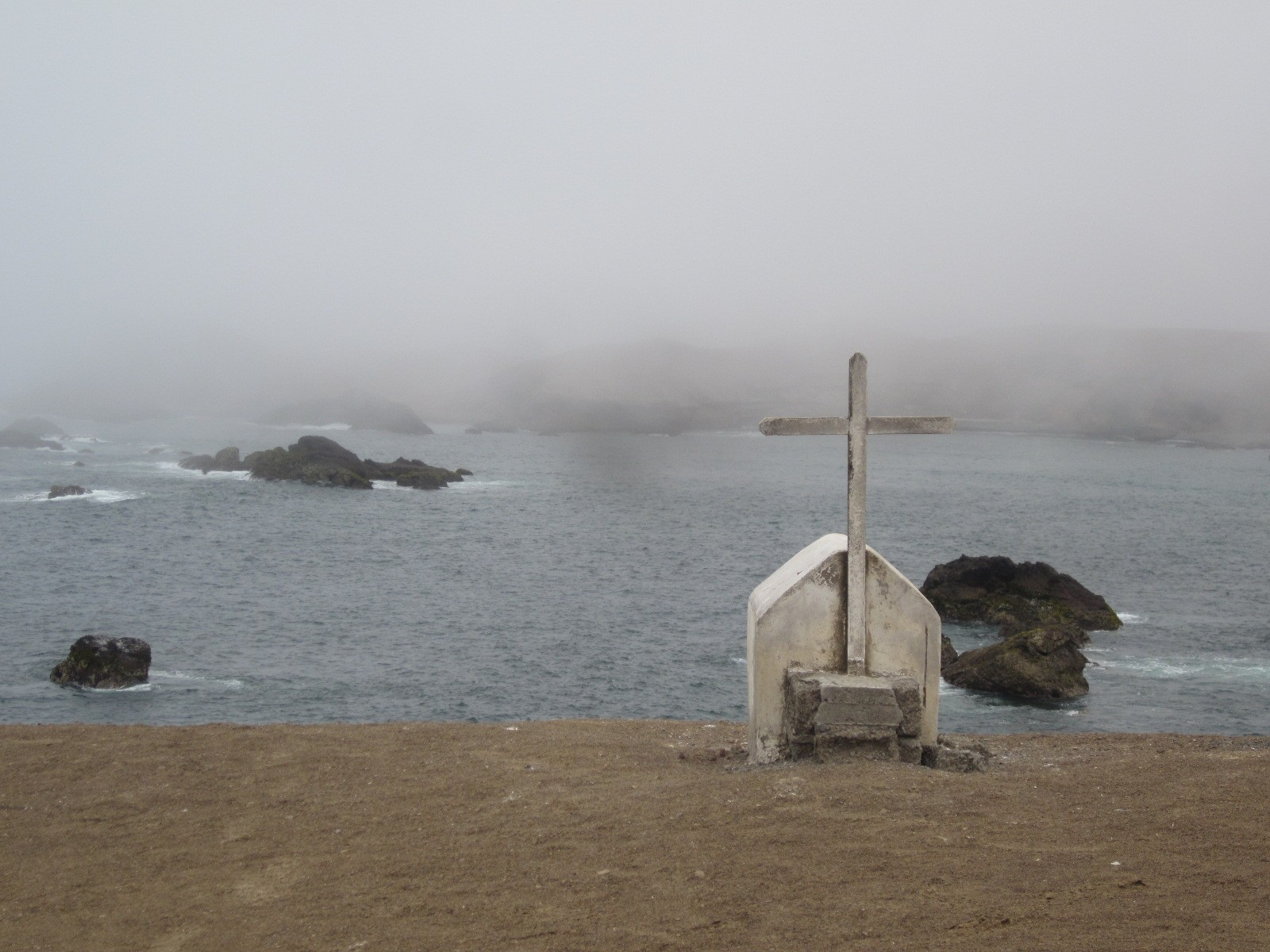 ocean side grave